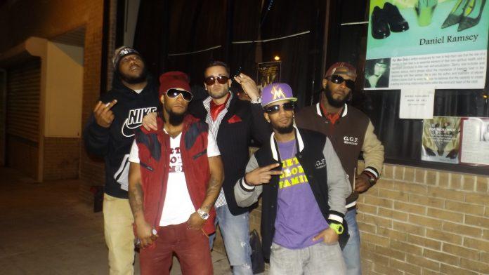 Ghetto Glory Family - Hundred Bands