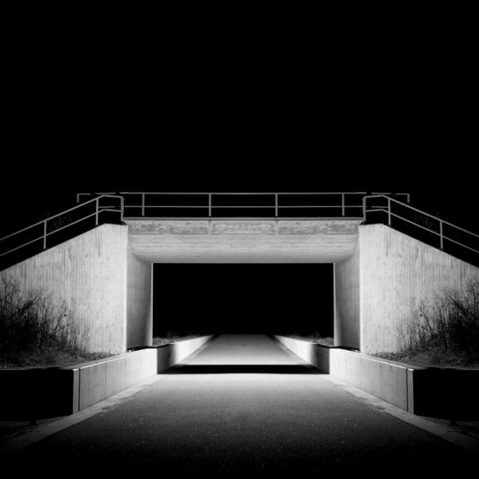 Neon BLK - 10 Summers
